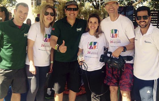 Hildon Carrapito e Anna Turano com as equipes da Vip Move e CAARJ RJ, na Caminhada dos Advogados 2015